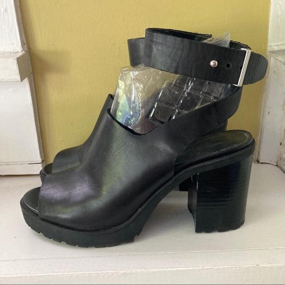 Zara Chunky 90's Style Ankle Wrap Platform 7.5